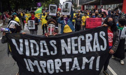 Movimentos negros de Goiânia organizam manifestação em frente ao Carrefour nesta segunda