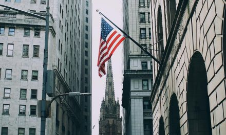 Brasileiros conseguem abrir empresa nos EUA sem sair do país