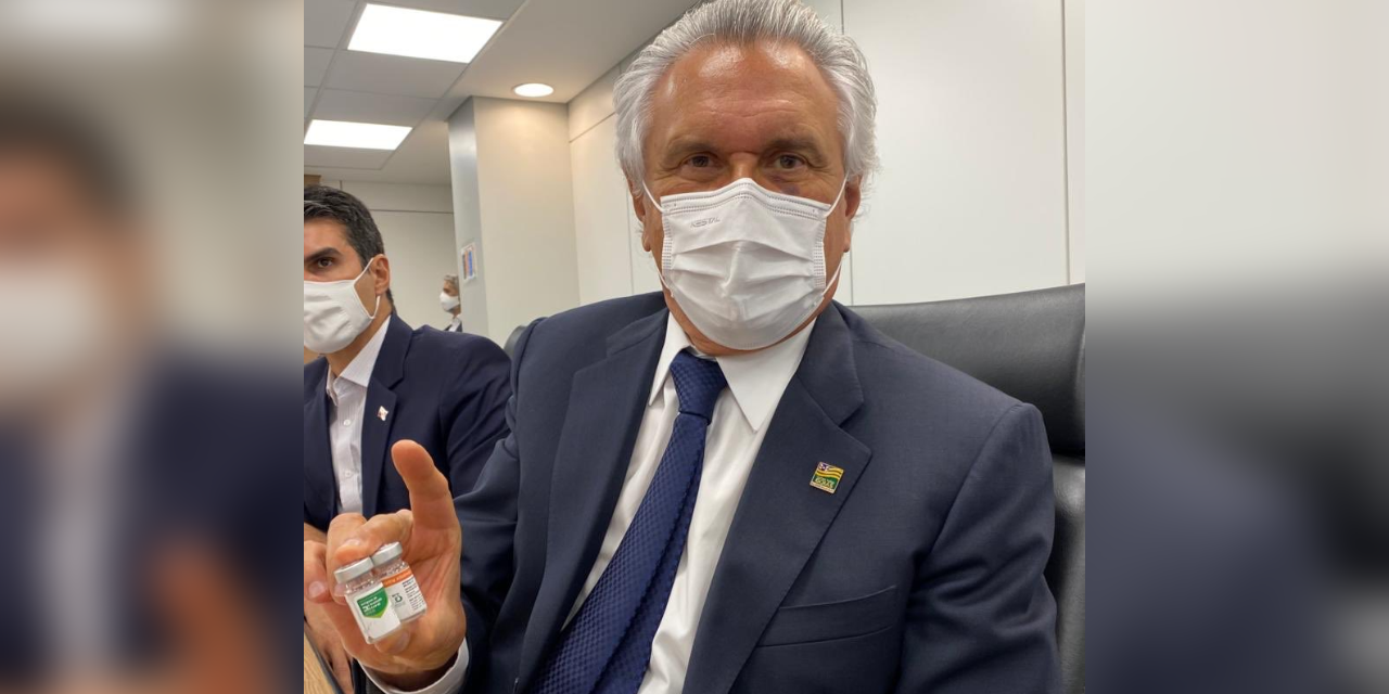 Covid-19: Caiado vai a Brasília para tratar de vacinação