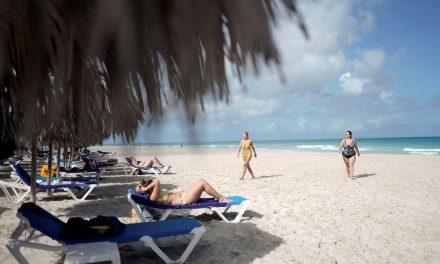 Covid-19 leva Cuba a reduzir entrada de voos dos EUA e de outros países