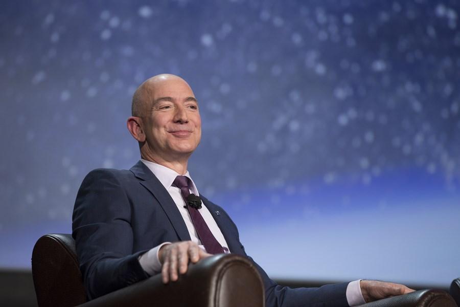 Jeff Bezos lança livro sobre sua trajetória empreendedora