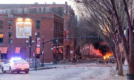 """EUA: polícia diz que explosão em Nashville foi """"ato intencional"""""""