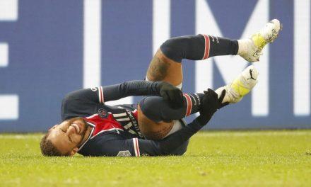 Neymar só deve voltar aos campos em janeiro, diz Paris Saint-Germain