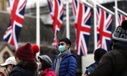 Reino Unido avalia medidas para evitar nova cepa da covid-19