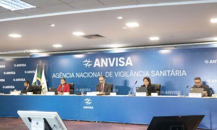 Diretores da Anvisa dizem que vacina é necessária porque não há tratamento precoce contra a Covid