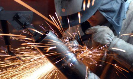 Emprego cresce na indústria