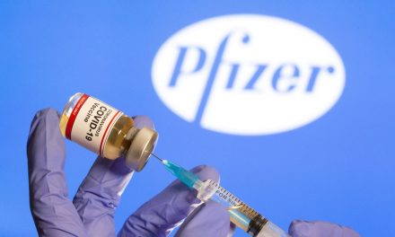 Agência Europeia: cada frasco de vacina da Pfizer dá para seis doses