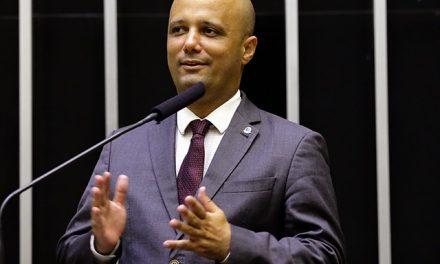 Vitor Hugo é o novo líder do PSL na Câmara dos Deputados