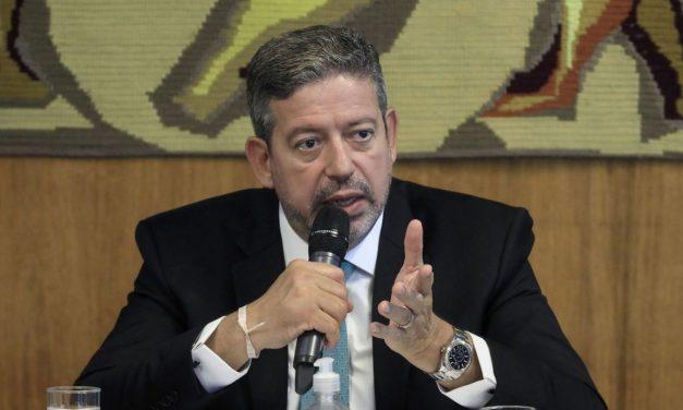 Para evitar derrota, Lira envia PEC da Imunidade para comissão