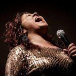Cantora Cláudia Garcia morre de Covid-19 aos 49 anos, em Goiânia