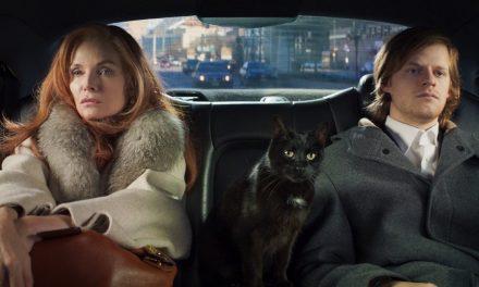 Michelle Pfeiffer e um gato falante estrelam excêntrico 'French exit'