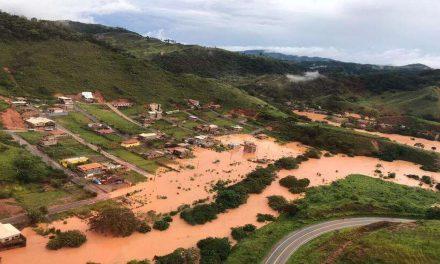 Bombeiros encontram mais três soterrados em Santa Maria de Itabira