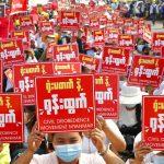 Facebook fecha todas as contas vinculadas ao exército em Mianmar