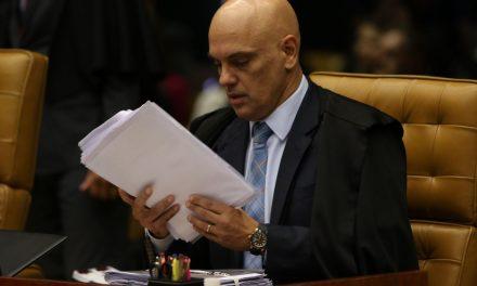 Moraes pede vista e suspende julgamento no STF sobre decretos das armas