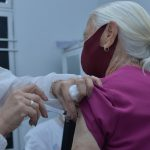 Aparecida de Goiânia vacina idosos acima de 75 anos contra Covid-19