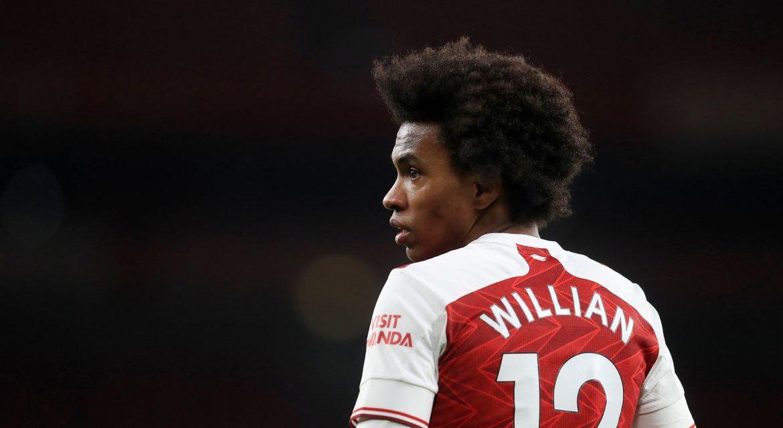 Meia-atacante Willian, do Arsenal, é alvo de ofensas racistas online