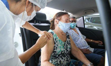 Aparecida de Goiânia retoma a vacinação contra a Covid-19 para idosos acima de 70 anos