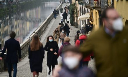 Itália se confina nesta segunda-feira, mas espera melhora no fim da primavera