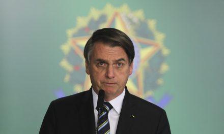 Bolsonaro oficializa reforma ministerial com seis mudanças