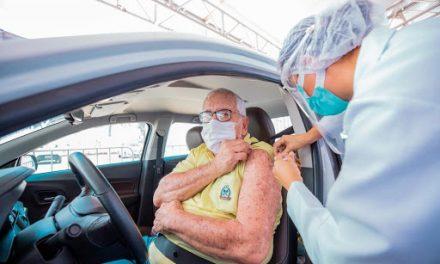 Goiânia começa a vacinar contra Covid-19 idosos a partir de 74 anos; veja locais