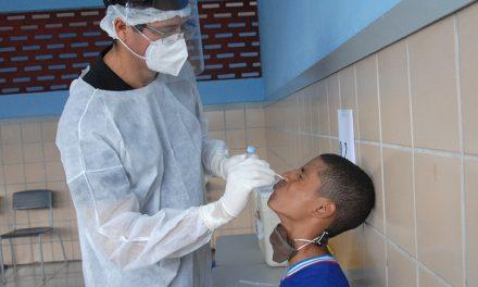 De 4,8 mil crianças e adolescentes testados em Goiás, 12,3% tiveram contato com a Covid-19
