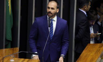 Conselho de Ética arquiva representações contra Eduardo Bolsonaro por falas sobre AI-5