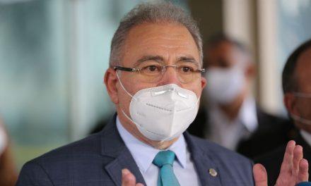 'É natural que desvios aconteçam', diz ministro da Saúde sobre aplicação de doses diferentes da vacina contra Covid em Goiás