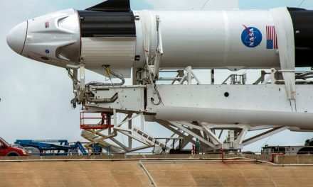 "SpaceX quer instalar janela panorâmica no ""nariz"" da cápsula Dragon"
