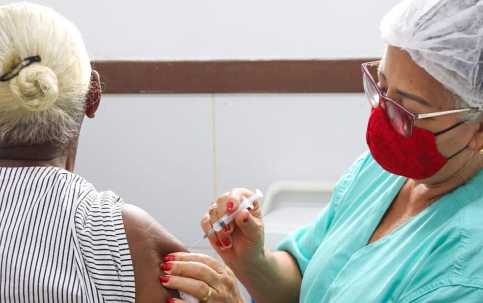 Despenca no Brasil ritmo de aplicação da 1ª dose da vacina contra Covid-19