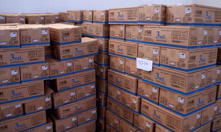 Governo de Goiás recebe 150.100 doses de vacinas contra Covid-19