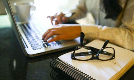 USP oferece gratuitamente videoaulas com matérias do ensino médio