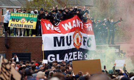 Autoridades da Inglaterra repudiam violência de torcida do United