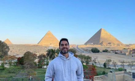 Médico brasileiro é detido no Egito após constranger vendedora