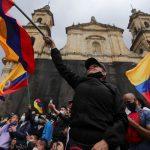 Mortes em protestos aumentam, e Colômbia espera nova onda de covid-19