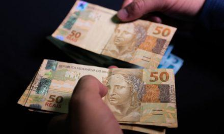 Negociações salariais ficam abaixo da inflação em abril, mostra Fipe