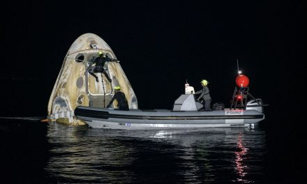 Astronautas da missão da SpaceX e Nasa voltam à Terra