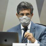 Teich diz à CPI que pediu demissão por falta de autonomia e cita divergência sobre cloroquina
