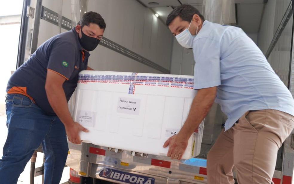 Goiás recebe 99.800 doses de vacinas contra Covid-19