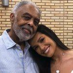 Gilberto Gil faz live junina no Globoplay e no Multishow, com participação de Juliette
