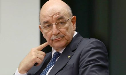 CPI convoca Osmar Terra e auditor do TCU suspeito de produzir nota usada por Bolsonaro