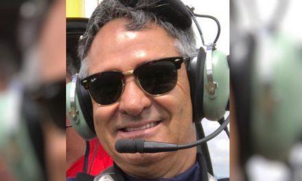 Avião cai em frente a presídio de Rio Verde, piloto morre e passageiro fica gravemente ferido