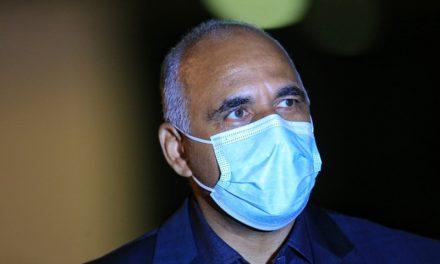 Rogério Cruz toma primeira dose de vacina contra Covid-19