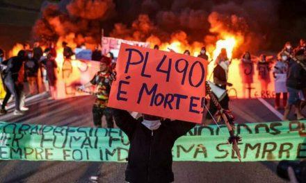 Guaranis protestam contra projeto que dificulta demarcação de terras