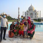 Taj Mahal reabre em meio à queda de casos de Covid na Índia