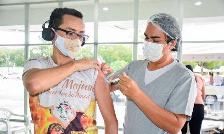 Caiado diz que vacinação contra Covid-19 chegará à faixa etária dos 18 anos em setembro