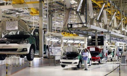 Falta de chips faz Volkswagen suspender produção em SP e no Paraná por 10 dias