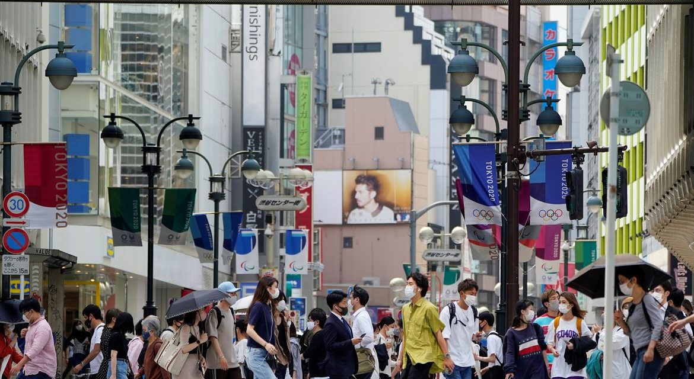 Japão amplia restrições após disparada de casos de covid-19