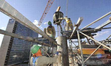 Confiança da construção atinge maior nível desde março de 2014