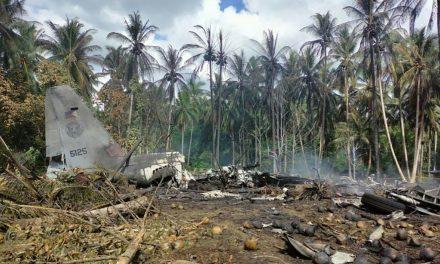 Número de mortos em acidente aéreo nas Filipinas sobe para 50