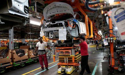 Falta de peças provoca queda na produção de veículos em julho